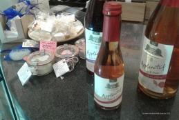 alkoholfreier Appléretif und Badesalze