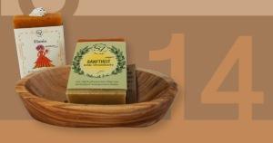 Zwei Seifen aus unserer Riesenauswahl mit Olivenholzschale